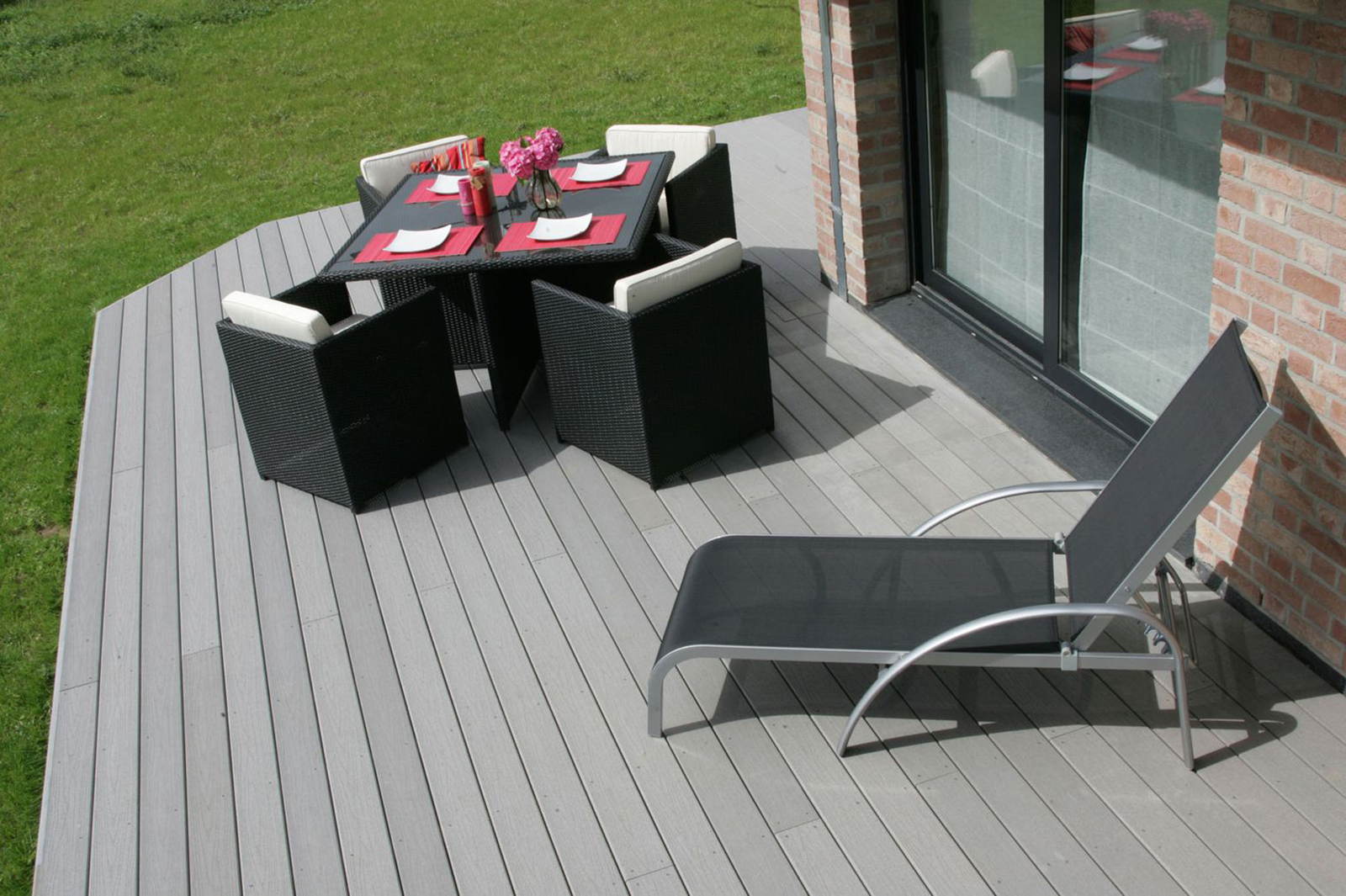quel bois choisir pour votre terrasse viving. Black Bedroom Furniture Sets. Home Design Ideas