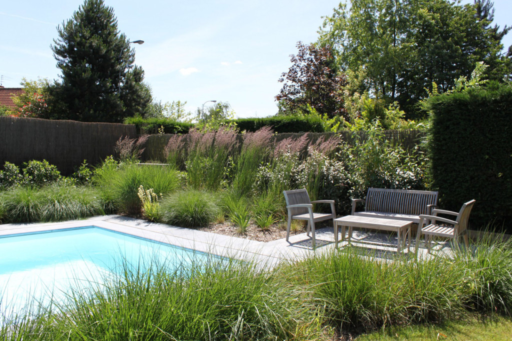Pourquoi faire appel un architecte paysagiste viving for Abords de piscine
