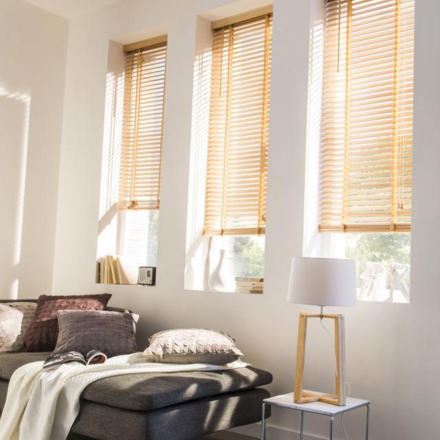 les stores autant de styles que d envies viving. Black Bedroom Furniture Sets. Home Design Ideas