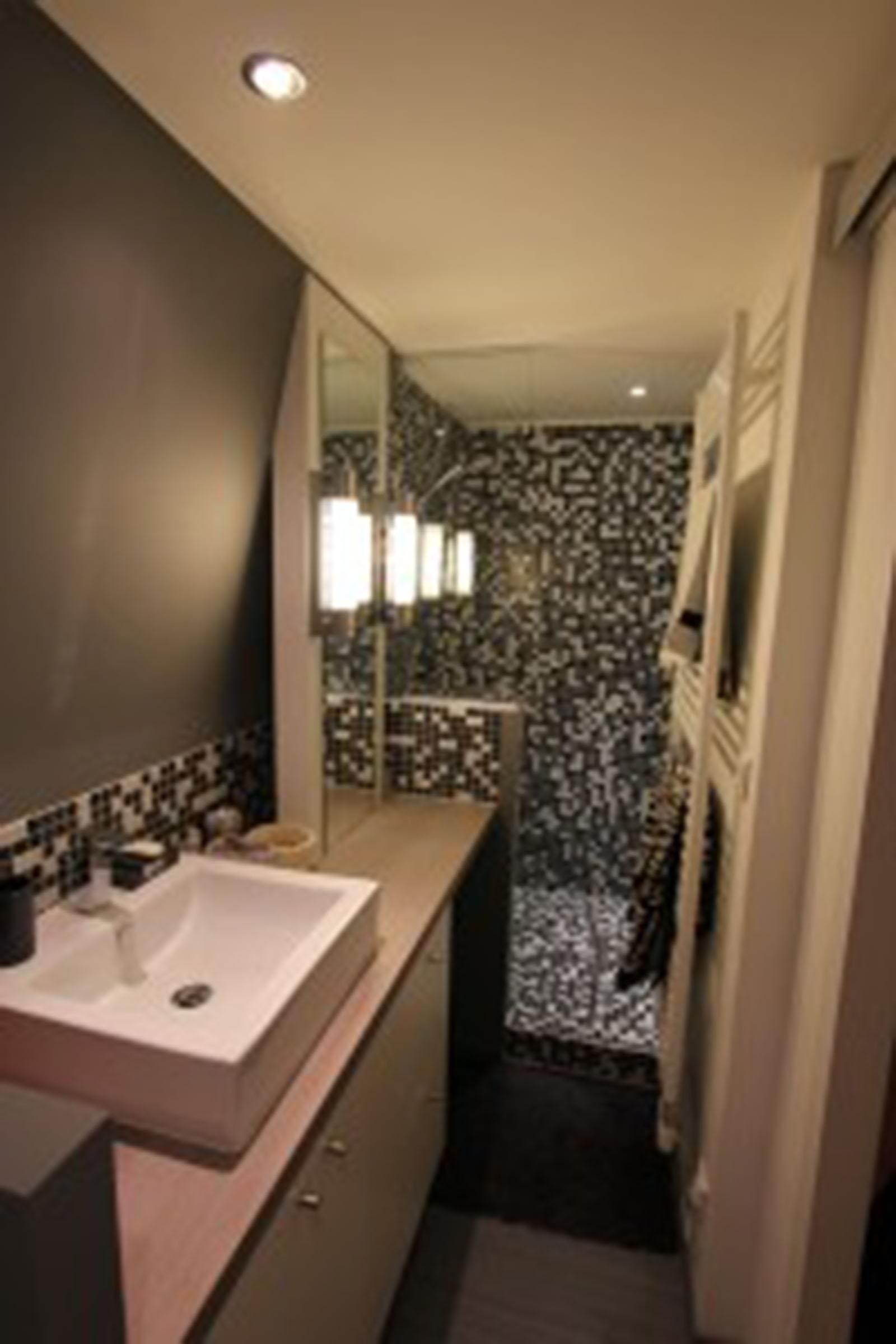 salle de bain viving. Black Bedroom Furniture Sets. Home Design Ideas